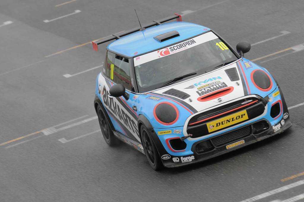 Mini JCW at pit Straight Snetterton
