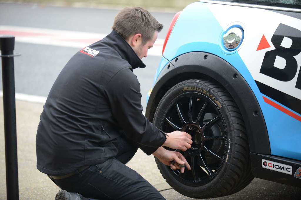 wets on the JCW