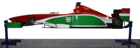 Lifting a Benetton F1