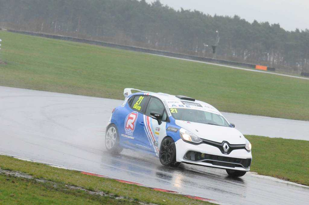 Track Test: Renault Clio Cup (Gen 4) at Snetterton 300